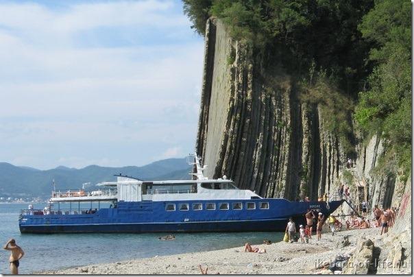 Экскурсионный катер Ирбис