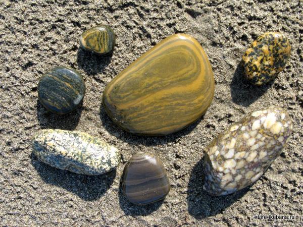 Разнообразные камни