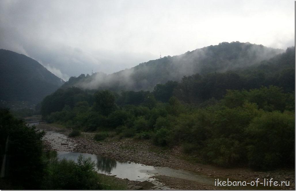 река Туапсе в горах