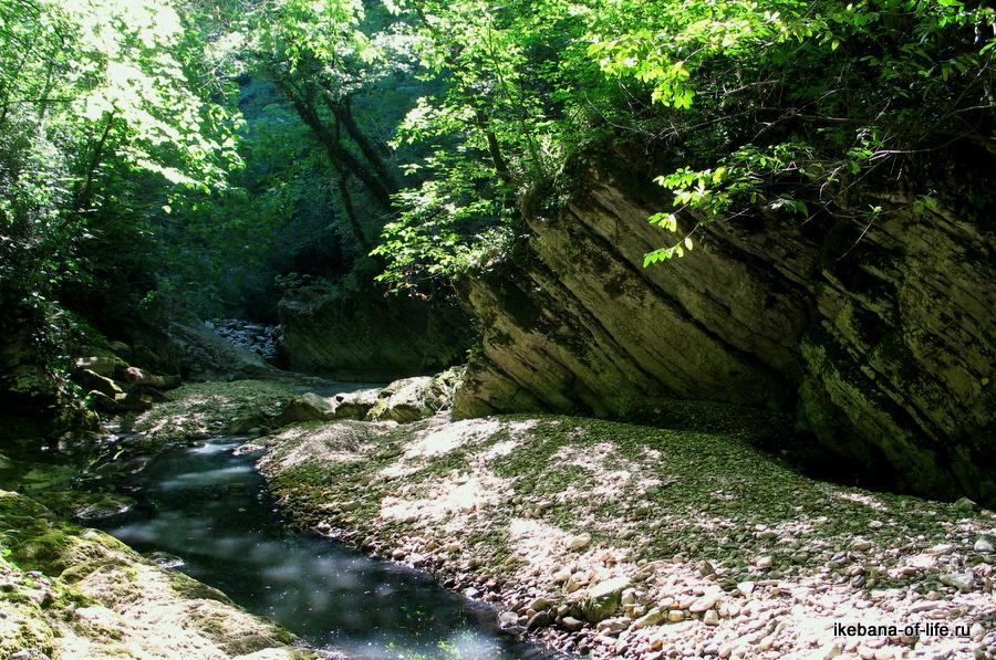 Агурское ущелье перед дамбой
