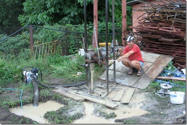 зарабатываю в селе бурением скважин