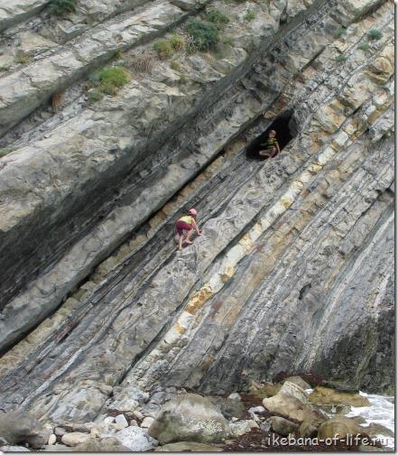 мышиные норки, пещеры